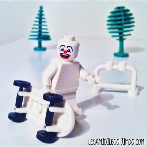 Omino bianco… tcbc_colors_white  #lego #minifigures #gmy #igers #picoftheday #popular #getpopular #instagood #instagram #new #instamood #iphonesia #iphone4 #instagramhub #instahub #webstagram #hipstamatic #statigram #snapseed #igersitalia #instadaily #jj #toycrewbuddies #photooftheday #instagramers #igdaily #IGhype #shoutoutworld #istagra_man  (Scattata con Instagram presso Tcbc_colors_white 1/3)