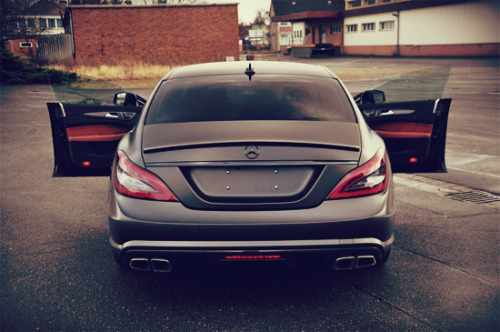 visualcocaine:  Mercedes CLS63 AMG