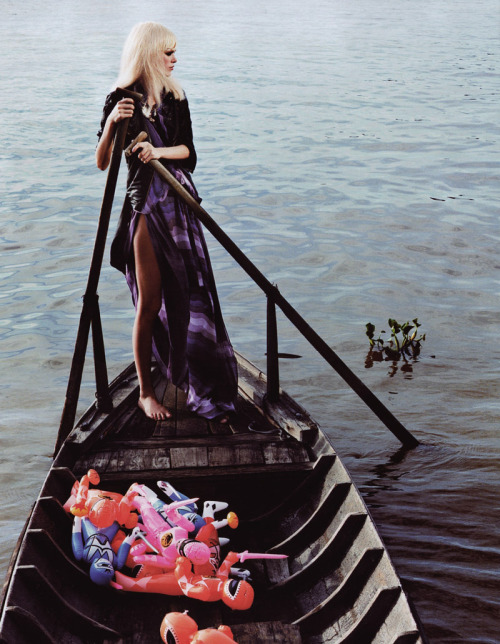 stormtrooperfashion:  Magazine: Velvet (May 2009)Editorial: Viet MoodPhotographer: Azim HaidaryanModel: Dewi Driegen