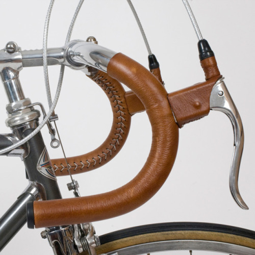 thebicycleisart:  Vintage Leather