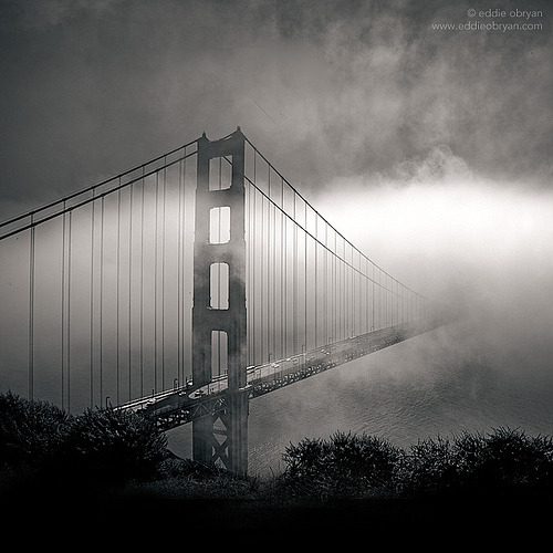 theblackballerina:  Golden Gate Bridge with fog (by Eddie O'Bryan)