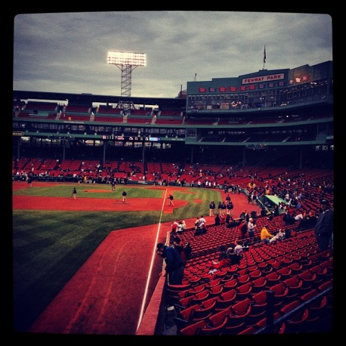 #instagram #iheartboston #fenwaypark #fenway #redsox #bostonredsox #baseball #friendlyconfines #boston (Taken with instagram)