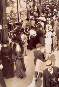 Sales in London, 1908. (via)