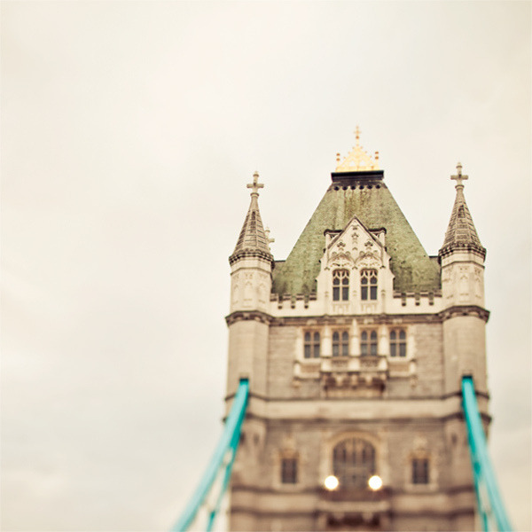 | ♕ |  Dear Old London  | by © Irene Suchocki  via ysvoice : vintageair