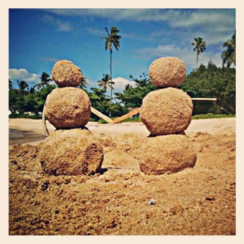 Today I made sandmen! They're having a staycay btw. #hawaii #instagramhi #hiig (Taken with Instagram at Haleiwa, HI)