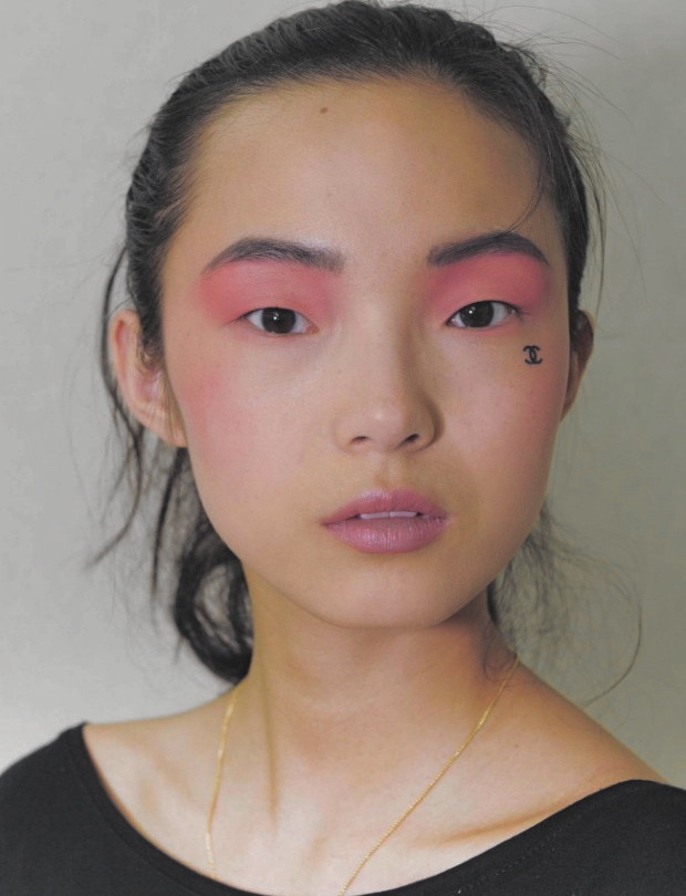 femmevenom:  sfilate:  Xiao Wen Ju, Chanel Resort 2013 Beauty  I BOW TO YOU MY PRINCESS