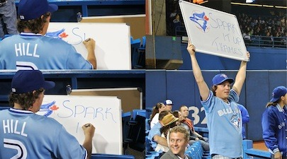 Don't know what to write on your sign? Do what this Blue Jays fan did and you're in the clear.