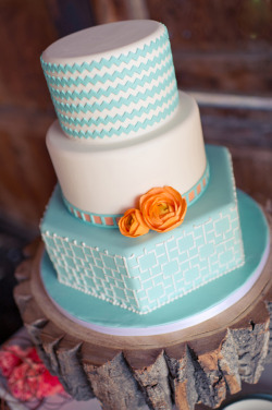 Such a lovely wedding cake!