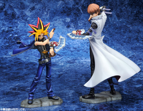 triggafiasco:  risallah:  palepapaya:  damn is yugi really that short  Maybe Kaiba's just really tall.  Both are true. Kaiba always towers over everyone, but Yugi is still the shortest out of his friends. So it's like…an extreme height difference. @_@