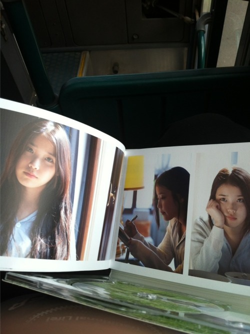 "Inside ""Spring of a Twenty Year Old"" album (cr: 신지훈)"