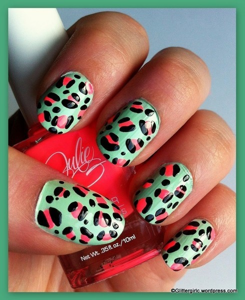 Get inspired by these spring leopard nails from Cecilie Alstad O.!