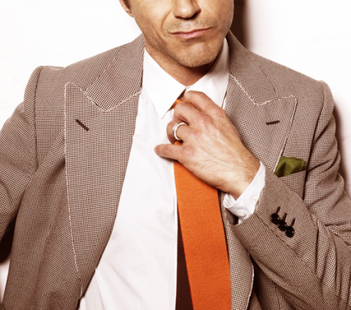 theeyesdown:  Robert Downey Jr The idea is simple. The Eyes Down is a collection of photos of people taken from the eyes down. Check us out and follow us today.