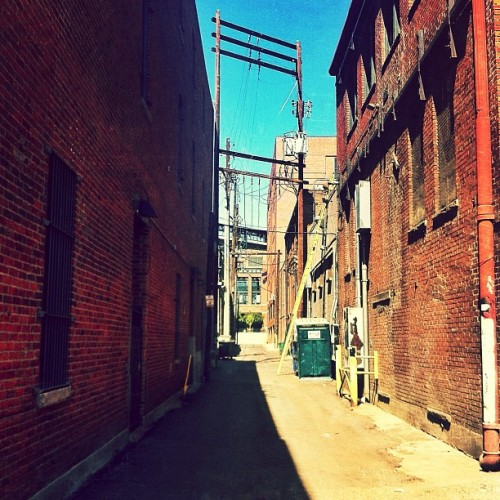Remember that alley from a shot a while back? Same alley, other direction… // #alley #artsy #city #urban #denver #streets #colorado #coloradical #edit #editoftheday #igers #ignation #webstagram #photooftheday #picoftheday #pictureoftheday #iphonesia #iphoneonly #instagood #instaneat #grmedia #jj #instagramers #igaddict #iphonesia #jj_forum #instagramhub #iphone4 (Taken with instagram)