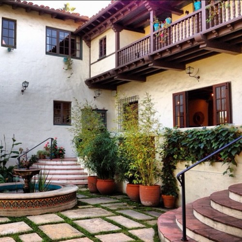#before of the #2012 #pasadena @showcasehouse of #design - 1927 #Spanish Colonial / Spanish Revival. Anyone went to see the #after? Please #share! #traditional #interiordesign #interior #architecture #california #landscape #nature #tree #trees #nofilter #instagramhub #photooftheday #instamood #instagood #igers (Taken with instagram)