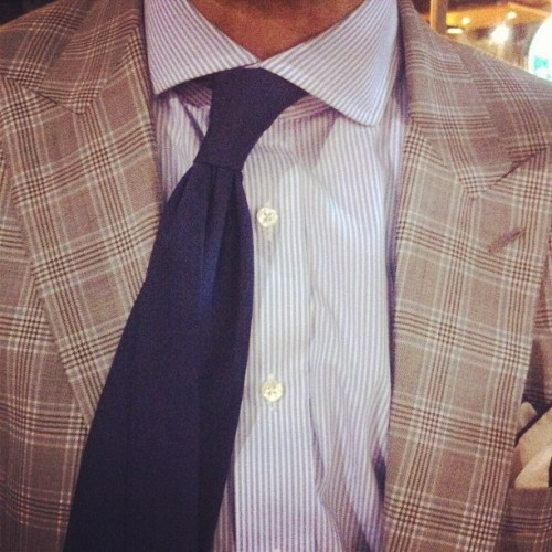 mistermort:  I love a twisted knot tied slightly askew #menswear #MartinGreenfield #plaid #peaklapel (Taken with instagram)