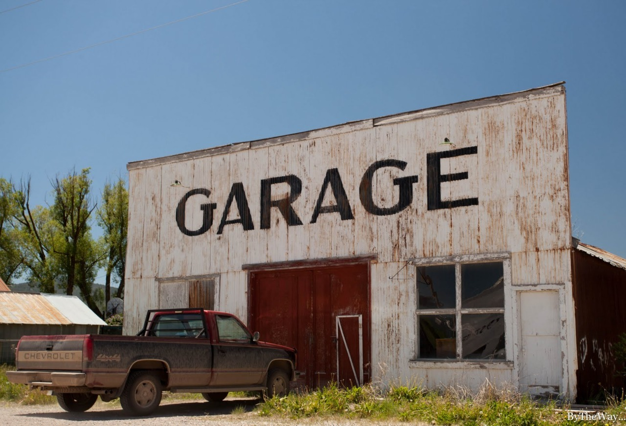 Old garage in Montana