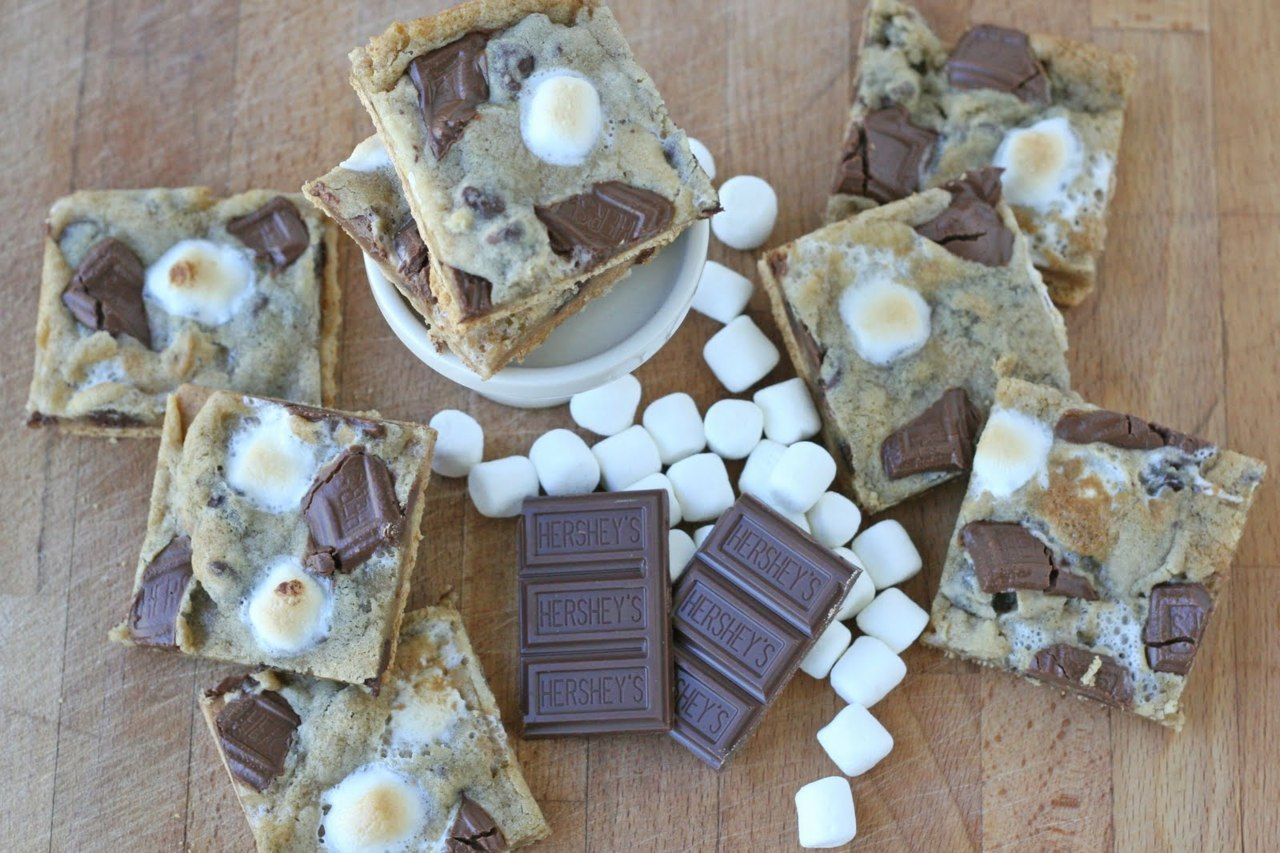 theadelaidefoodie:  Graham Cracker S'mores Cookies