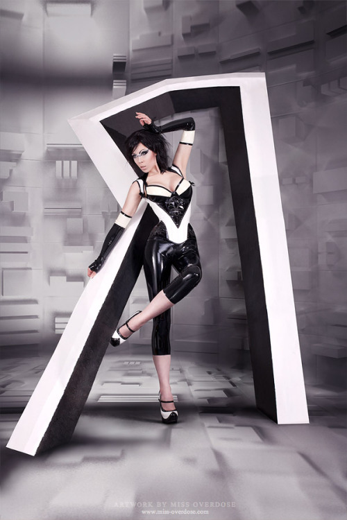 Black and white latex dress and leggings by Ophillia Overdose