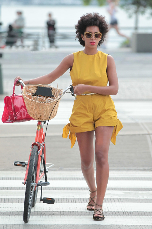 OH WOW! She's just taken it to the next level with that bicycle! I've been wanting one for a while now :)