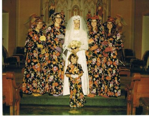 20thcenturygirls:  1971 wedding!
