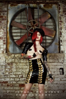 Cervena Fox / Kaoris Latex Dreams / Art Machine Productions