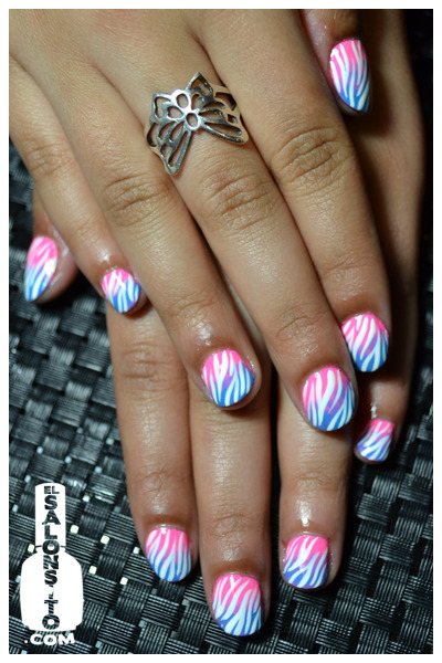 elsalonsito:  Gradient x Zebra Striped birthday nails.