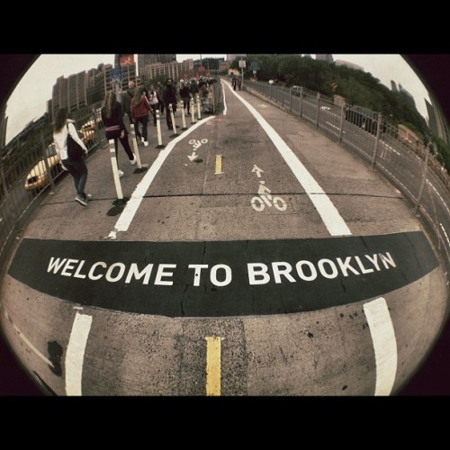 no sleep till brooklyn #newyork #nyc #brooklyn #brooklynbridge #bridge (Scattata con instagram)