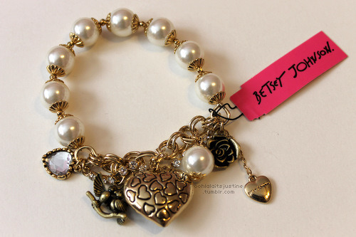 betsey johnson - bracelet