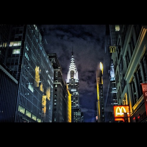 #Gotham…#NYC #EmpireStateBuilding #iphoneography #photography #streetphotography #iphonesia #instamood #instadaily #photooftheday #instagramers #picoftheday #igers #statigram (Taken with instagram)