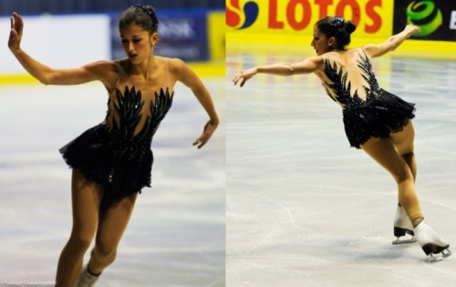 Samantha Cesario's Black Swan costume at the 2011 Junior Grand Prix Tallinn Cup.  Photos by Tobiasz Skwarczynski. Source: http://www.pixieworld.net/en/galleries/event/jgp_baltic_cup_2011/bydiscipline/ladies/P20