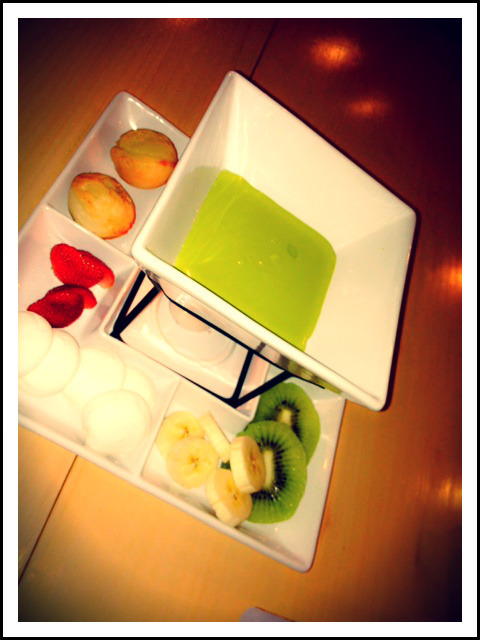 macha fondue @Koiki photo by @ujiepane