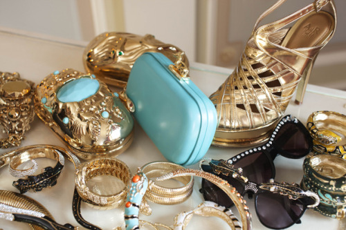 are you excited?! i'm excited! anna dello russo will be collaborating with h&m on an accessories collection. can't wait to get my hands and fingers on these…
