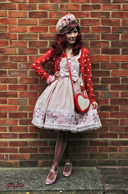 Fancy Melody - Angelic Pretty pink x red outfitOut with a bunch of friends for ice cream <3