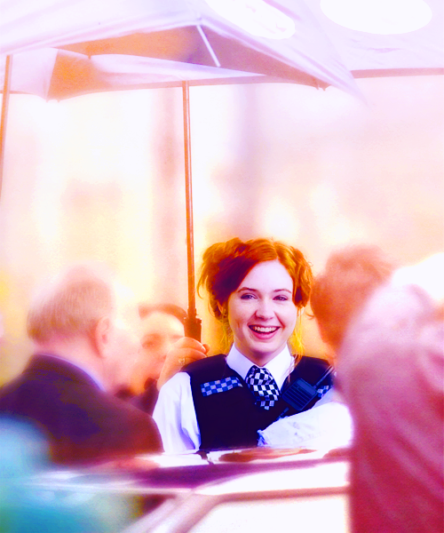 pondpie:  001/100 pictures of Karen Gillan
