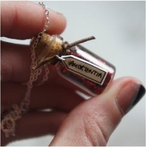 accio-oliverphelps:  Amortentia - a very powerful love potion I bought this necklace the other day