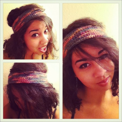 Rocking the headband one of my friends made for me. I love how the simplest item can be so freakin' cute. Love love love.