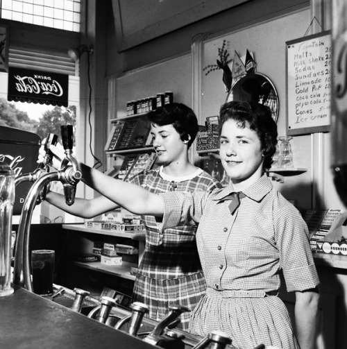 Mac's Soda Fountain and Ice Cream Parlor, 1959