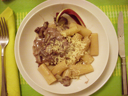 photo edited by CF  pasta with radicchio/smoked cheese tortiglioni radicchio/provola