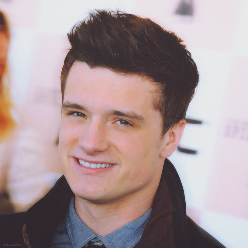 28/100 pictures of Josh Hutcherson {x}