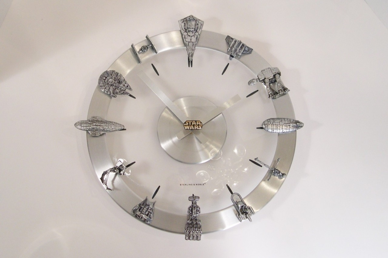 Star Wars Clock Starships and Fighters Clock (vía Times New Geek)