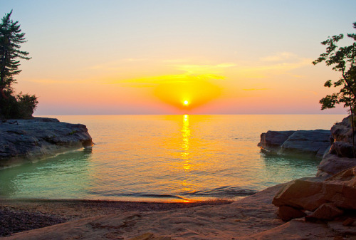 aestheticmichigan:  The Coves Sunset by Gary of the North on Flickr.