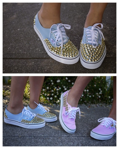 DIY Studded Sneakers Tutorial. I usually only post fake studded sneakers or shoes (like here or here) because no tutorial has really addressed the issue of the studs rubbing your feet on the inside of your sneakers. Well these studs are glued on with an adhesive. Tutorial from Honestly…WTF here.