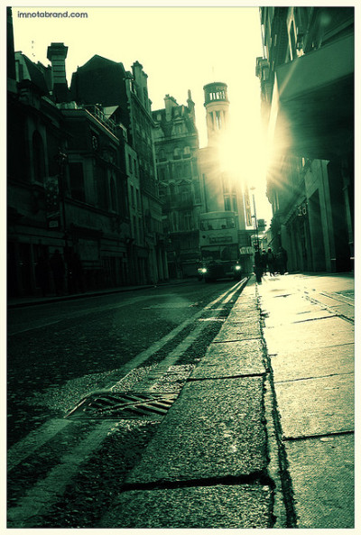 London Riverbero 2 by kaneda99 on Flickr.
