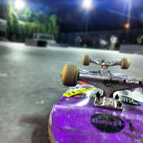 summer skating night #summer #skatelife @almostskateboards #skatepark #night  (Taken with instagram)