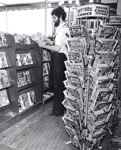 browsethestacks:   browsethestacks:  Vintage Photo - Comic Shop (c.1982-1983)      ATTN SciFi Hall: does this man look familiar to you?
