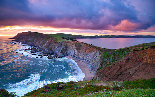 llbwwb:  Point Reyes National Seashore.I've been here and it's even prettier then this! (by Tony Immoos)