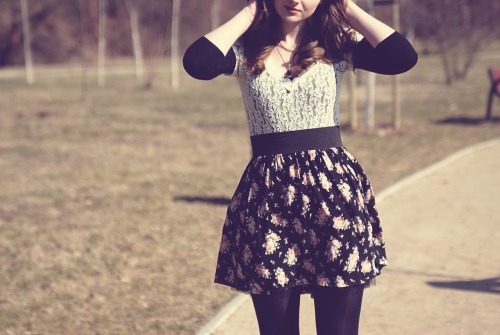 pedalfar:  DITTY - LEMONADE: floral skirt & lace bodysuit
