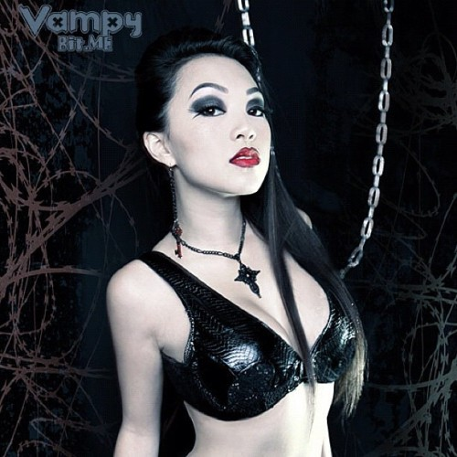 vampybitme:  \m/ (Taken with instagram)