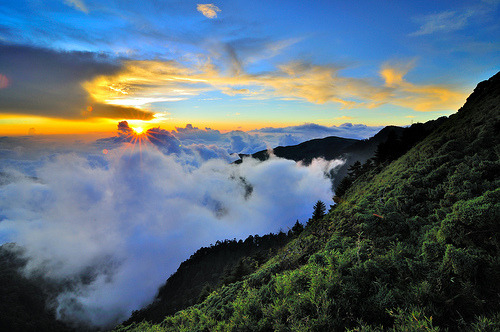 simplynorule:  Sunset in Mt.Hehuan (by Vincent_Ting)