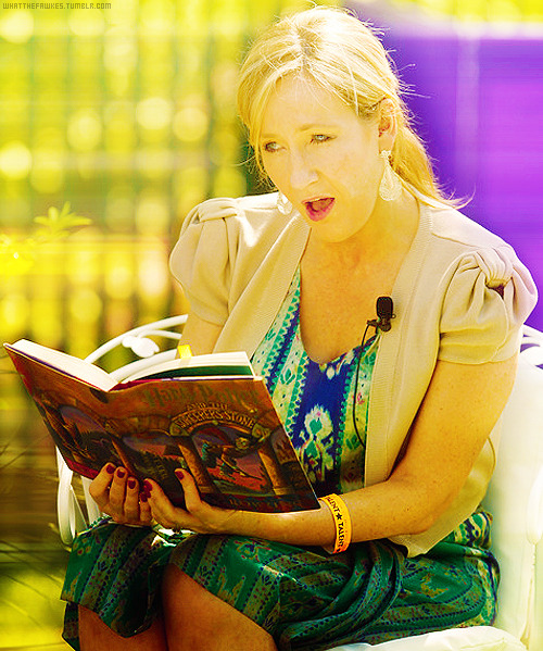 → 04/50 favourite pictures of Jo Rowling